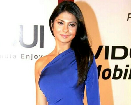 Jennifer Winget Biography, Wiki, Age, Height, Bra Size ...